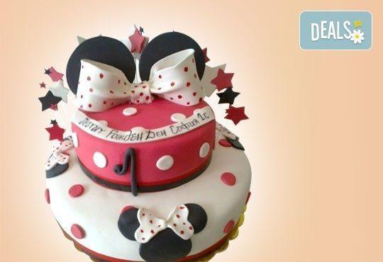 С доставка през април, май и юни! Детска АРТ торта с фигурална ръчно изработена декорация с любими на децата герои от Сладкарница Джорджо Джани - Снимка 1