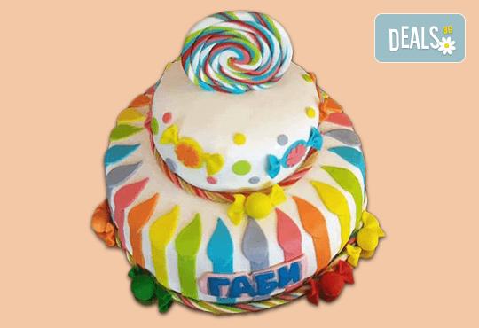 С доставка през април, май и юни! Детска АРТ торта с фигурална ръчно изработена декорация с любими на децата герои от Сладкарница Джорджо Джани - Снимка 21