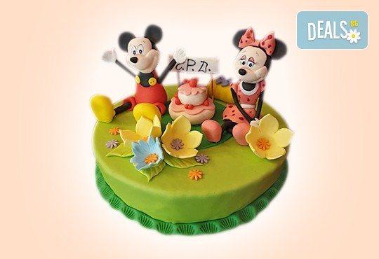 С доставка през април, май и юни! Детска АРТ торта с фигурална ръчно изработена декорация с любими на децата герои от Сладкарница Джорджо Джани - Снимка 87