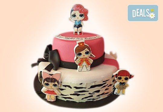 С доставка през април, май и юни! Детска АРТ торта с фигурална ръчно изработена декорация с любими на децата герои от Сладкарница Джорджо Джани - Снимка 5