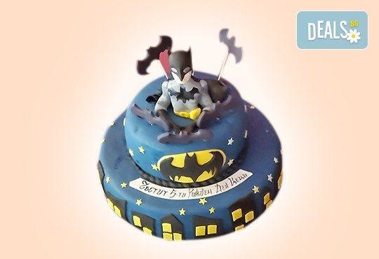 С доставка през април, май и юни! Детска АРТ торта с фигурална ръчно изработена декорация с любими на децата герои от Сладкарница Джорджо Джани - Снимка 57