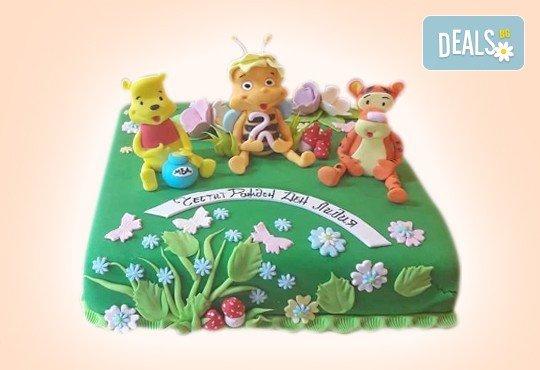 С доставка през април, май и юни! Детска АРТ торта с фигурална ръчно изработена декорация с любими на децата герои от Сладкарница Джорджо Джани - Снимка 83