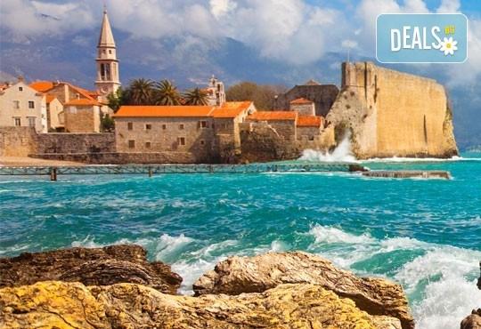 Великден, май или септември на Черногорската ривиера: 3 нощувки на база НВ, транспорт