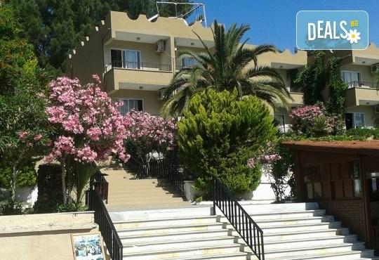 Ранни записвания за почивка в Кушадасъ, Турция, в хотел Pigale Family Club 3*! 7 нощувки на база All Inclusive и възможност за транспорт! - Снимка 2