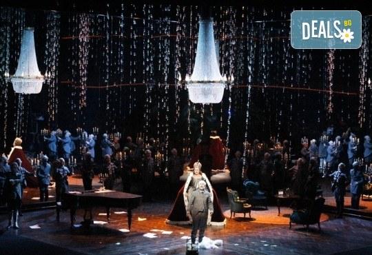 Ексклузивно в Кино Арена! ДАМА ПИКА - премиерен спектакъл на Кралската опера в Лондон с участието на Владимир Стоянов, на 13, 16 и 17 февруари, в кината в София! - Снимка 5