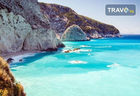 Лятна парти екскурзия до остров Лефкада! 3 нощувки със закуски, транспорт, водач и посещение на плажа Агиос Йоанис! - Снимка 3