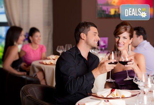 Куверт за двама за Свети Валентин в ресторант Грами със салата, предястие, основно ястие, десерт и комплимент: бутилка вино! - Снимка 2