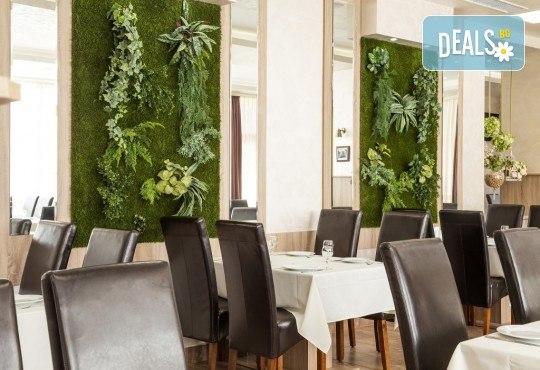 Куверт за двама за Свети Валентин в ресторант Грами със салата, предястие, основно ястие, десерт и комплимент: бутилка вино! - Снимка 6
