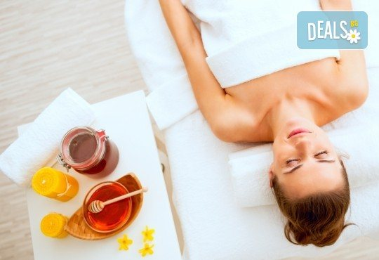 Комбинирана детоксикираща терапия - масаж и пилинг на гръб с натурален мед, в салон Moataz Style! - Снимка 2