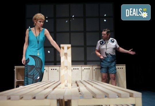 Гледайте Законът на Архимед с Пенко Господинов и Ирини Жамбонас в Малък градски театър Зад канала на 12-ти март (вторник)! - Снимка 4