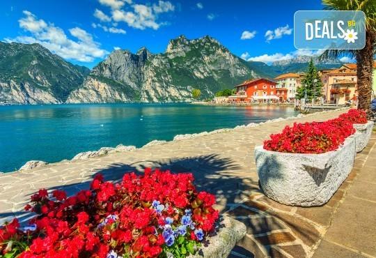 Великден в Милано, езерата Гарда и Комо: 3 нощувки и закуски, самолетен билет
