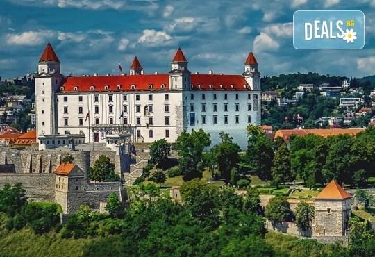 Пролетна екскурзия до Виена, Будапеща и Братислава! 3 нощувки със закуски, самолетен билет, транспорт с автобус и водач от Дари Травел! - Снимка 9