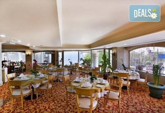 Фестивал на лалето в Истанбул през април! 2 нощувки и закуски в Hotel Bulvar Palas 4*, транспорт, водач от агенцията и включени пътни такси! - Снимка 9