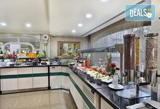 Фестивал на лалето в Истанбул през април! 2 нощувки и закуски в Hotel Bulvar Palas 4*, транспорт, водач от агенцията и включени пътни такси! - Снимка 10