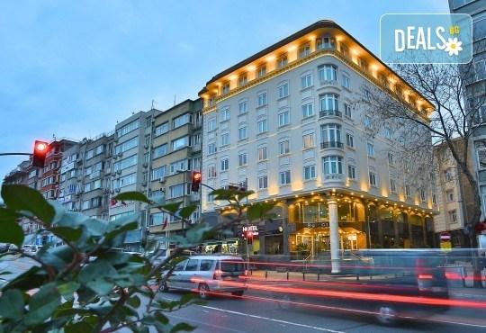 Фестивал на лалето в Истанбул през април! 2 нощувки и закуски в Hotel Bulvar Palas 4*, транспорт, водач от агенцията и включени пътни такси! - Снимка 5