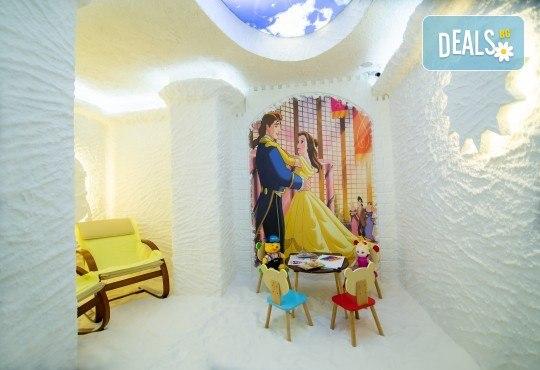 Здрави деца! 1, 3 или 6 комбинирани посещения на солна стая на дете и възрастен в Солни стаи Medisol! - Снимка 3