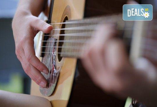 Серенада за 8-ми март! Подарете романтична серенада с музика на живо от MUSIC for You! - Снимка 2