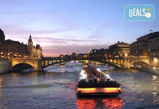 Романтична екскурзия до Париж, Франция! 3 нощувки със закуски, самолетни билетни с включени летищни такси, екскурзоводско обслужване! - Снимка 5
