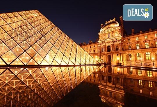 Романтична екскурзия до Париж, Франция! 3 нощувки със закуски, самолетни билетни с включени летищни такси, екскурзоводско обслужване! - Снимка 8