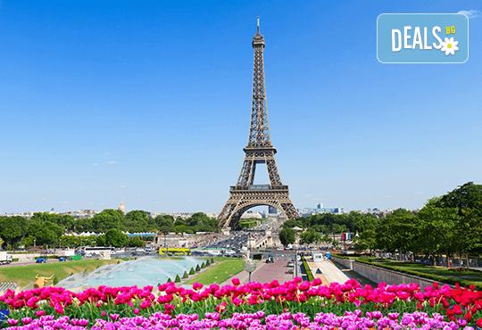 Романтична екскурзия до Париж, Франция! 3 нощувки със закуски, самолетни билетни с включени летищни такси, екскурзоводско обслужване! - Снимка 9