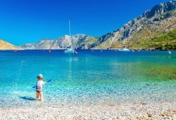 Майски празници на остров Корфу, Гърция! 3 нощувки със закуски и вечери, представител на Запрянов Травел! - Снимка
