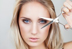 Нова визия! Подстригване, боядисване, масажно измиване, нанасяне на арганова маска и оформяне по избор в студио за красота Пиротска! - Снимка