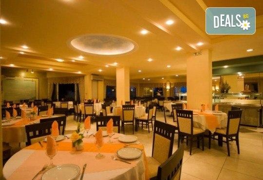 Ранни записвания за почивка на о. Корфу, Гърция! 6 нощувки със закуски и вечери в Potamaki Beach Hotel 3*, възможност за транспорт! - Снимка 6