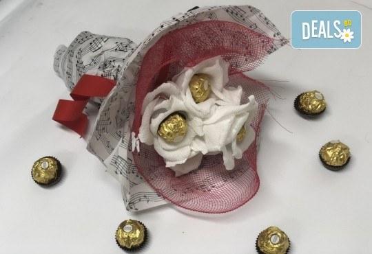 В ритъма на любовта! Шоколадов букет Мелодия от Онлайн магазин за подаръци Банана! - Снимка 2