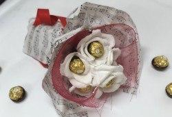 В ритъма на любовта! Шоколадов букет Мелодия от Онлайн магазин за подаръци Банана! - Снимка