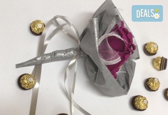 Езикът на романтиката! Подарете стилен шоколадов букет Поезия от Онлайн магазин за подаръци Банана! - Снимка 3