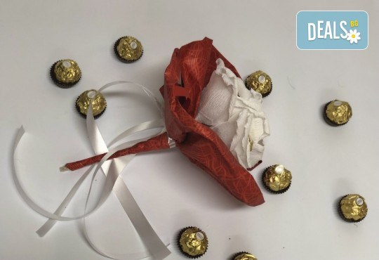 Красив и романтичен шоколадов букет Pure Love от Онлайн магазин за подаръци Банана! - Снимка 3