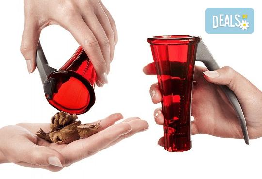 Иновативен дизайн и шведско качество! Вземете лешникотрошачка в цвят по Ваш избор! - Снимка 1