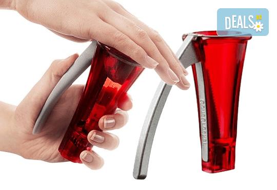 Иновативен дизайн и шведско качество! Вземете лешникотрошачка в цвят по Ваш избор! - Снимка 2