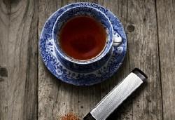 За любителите на чаените партита! Цедка-лъжичка за насипен чай от Drosselmeyer! - Снимка