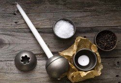 Красота от Севера! Свещник Drosselmeyer Orb с минималистичен скандинавски дизайн + безплатна доставка! - Снимка