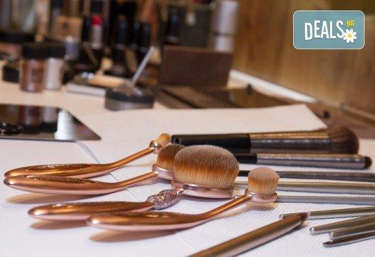Професионален грим за всеки повод с висококачествена козметика на MAC, Kryolan, Estée Lauder, Urban Decay и Huda Beauty в салон Я Гарановская! - Снимка 8