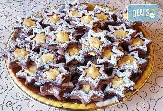 1 кг. големи какаови звезди с кремообразен лимонов шоколад или ягодово сладко от Сладкарница Джорджо Джани! - Снимка 1