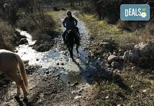Урок по езда сред природата за двама с инструктор и екипировка от Ранчо Thracian Spirits! - Снимка 5