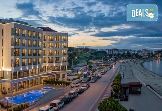 Лятна почивка в Чанаккале, Турция, в хотел Hampton by Hilton 4*! 4, 5 или 7 нощувки със закуски и вечери, настаняване от април до октомври, собствен транспорт! - Снимка 6