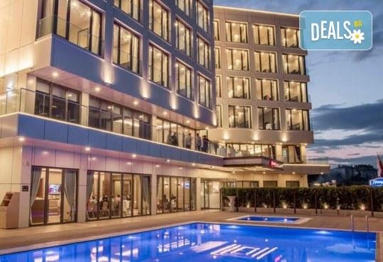 Лятна почивка в Чанаккале, Турция, в хотел Hampton by Hilton 4*! 4, 5 или 7 нощувки със закуски и вечери, настаняване от април до октомври, собствен транспорт! - Снимка 1
