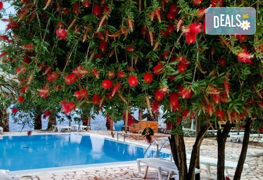 Великден на остров Корфу, Гърция! 3 нощувки със закуски, 2 вечери и 1 празничен Великденски обяд, транспорт, пешеходен тур в Керкира и посещение на двореца Ахилион! - Снимка 7