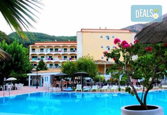 Великден на о. Корфу, Гърция: 3 нощувки със закуски, 2 вечери, Великденски обяд, транспорт