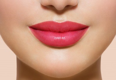 Оформяне на устни с впечатляващ ефект чрез микроиглена мезотерапия със серум на Fusion, специално разработен за видим ефект и обемни устни, в Център за естетична и холистична медицина Симона!