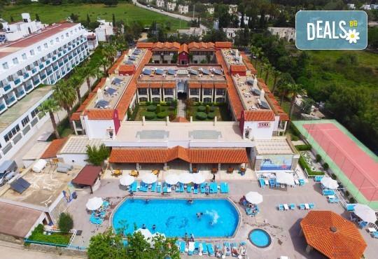 Майски празници в Tiana Beach Resort 4*, Бодрум: 7 нощувки All Incl, автобус и чартър