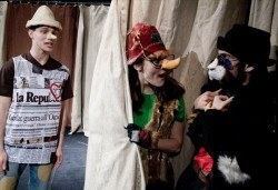 На театър с децата! Гледайте Пинокио в Младежки театър, на 16.03. от 11ч., Голяма сцена, един билет - Снимка