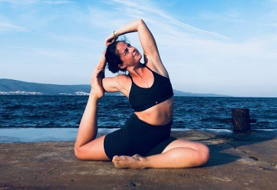 Хармония за тялото и ума! 2 или 4 посещения на йога със Здравка Будинова в Sofia International Music & Dance Academy! - Снимка