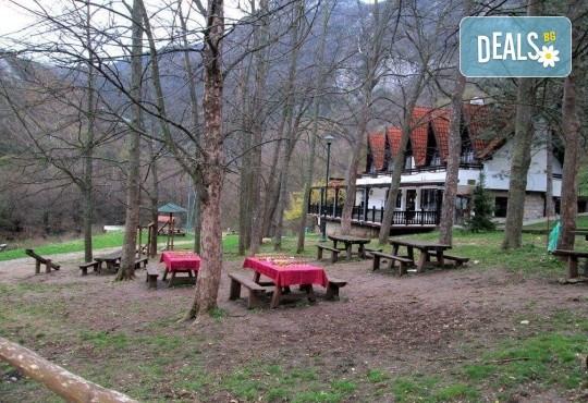 Гергьовден в Сокобаня, Сърбия, с Джуанна Травел! 2 нощувки със закуски, 2 обяда по меню и 2 празнични вечери с жива музика и напитки, възможност за транспорт - Снимка 5