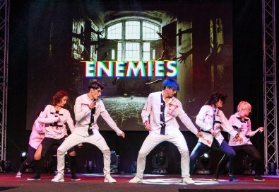 4 супер тренировки за тийнейджъри по К-поп с Алекс от група Enemies в Sofia International Music & Dance Academy! - Снимка