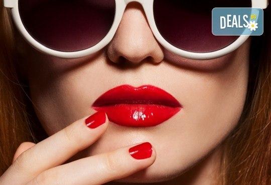 Влагане на 1 мл. дермален филър Ekseption за устни или попълване на бръчки чрез най-съвременния и безболезнен метод - инжектор пен в Barber shop Habibi! - Снимка 3