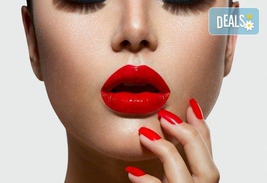 Влагане на 1 мл. дермален филър Ekseption за устни или попълване на бръчки чрез най-съвременния и безболезнен метод - инжектор пен в Barber shop Habibi! - Снимка 4